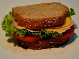 wholemeal-bread-sandwich-725x544